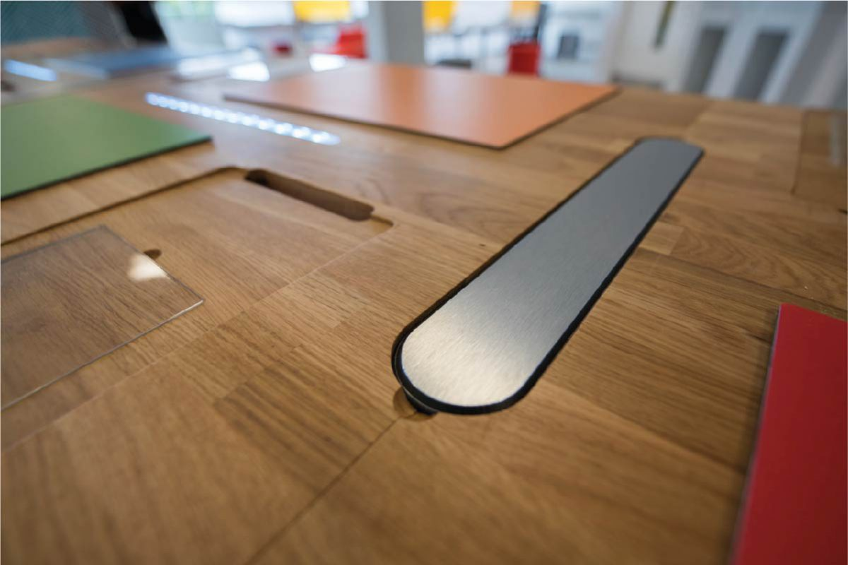 003_CE_Work_Microsoft_Desk