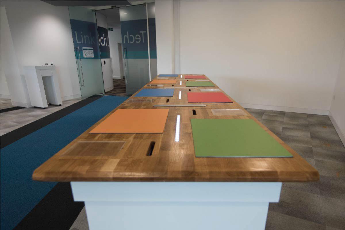 004_CE_Work_Microsoft_Desk